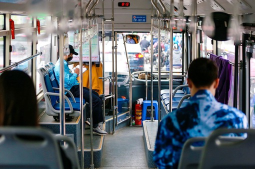 """Xe bus Hà Nội háo hức lăn bánh sau nhiều tháng """"ngủ đông"""""""