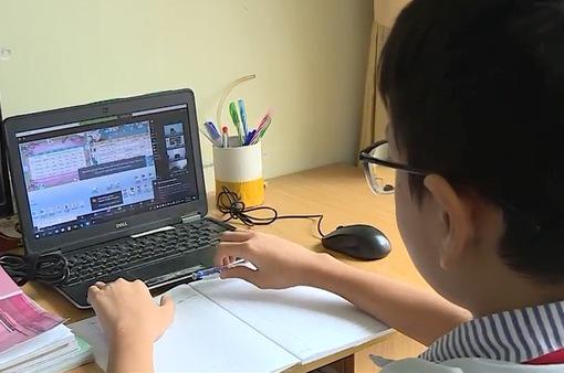"""Các trường học tại Hà Nội tiếp nhận hàng ngàn học sinh ngoại tỉnh """"mắc kẹt"""""""