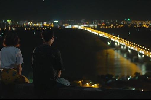 """Bối cảnh hẹn hò trên cao view cực hút mắt trong """"11 tháng 5 ngày"""""""