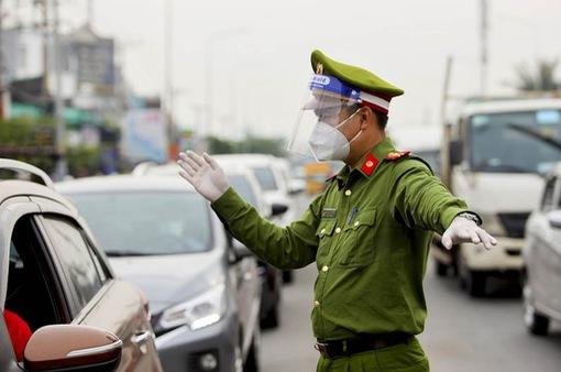 12 chốt cửa ngõ TP Hồ Chí Minh dừng kiểm tra giấy xét nghiệm