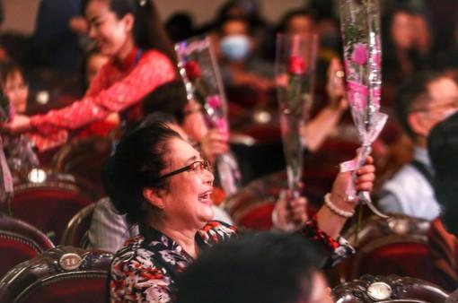 Nghệ sĩ hội ngộ kỷ niệm Tuần lễ 100 năm Sân khấu kịch nói Việt Nam
