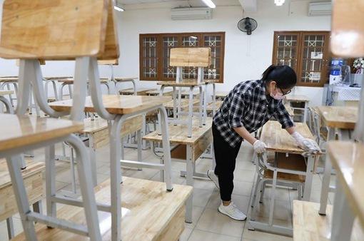 Khánh Hòa đón học sinh trở lại trường, một số lớp đi học luân phiên