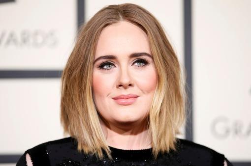 """Easy On Me"" của Adele đứng đầu cả 3 BXH Billboard"