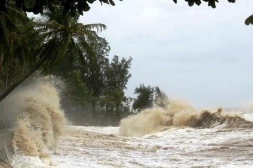 Miền Trung đối mặt mưa lớn do áp thấp nhiệt đới