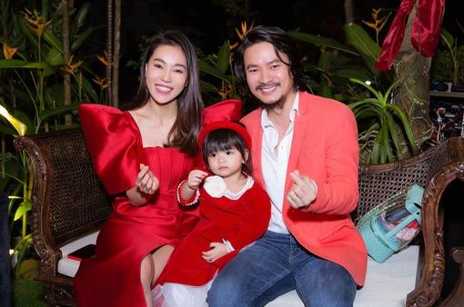 Đạo diễn Hoàng Nhật Nam: Tôi nhiều lần bực mình vì bị vợ sắp xếp