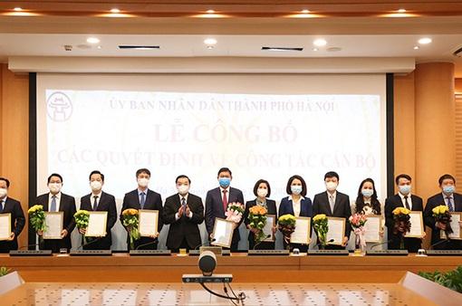 UBND TP Hà Nội công bố các quyết định về công tác cán bộ
