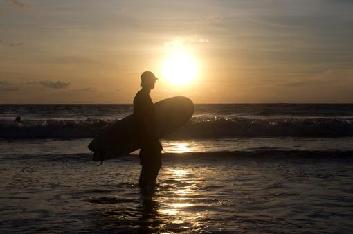 """Indonesia công bố kế hoạch mở cửa lại """"'thiên đường du lịch"""" Bali"""