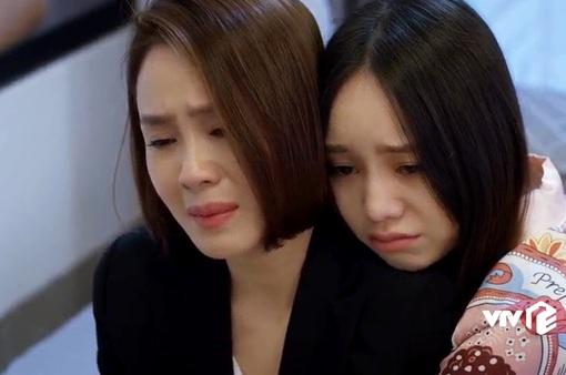 """Hướng dương ngược nắng - Tập 36: Khiến Châu mất chức, bố con Vỹ còn sắp tung clip """"full không che"""" rồi vu cho Minh"""