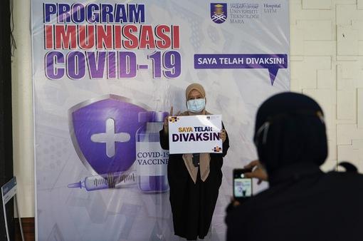 """Malaysia gỡ bỏ phong tỏa thủ đô và một số bang sau gần 2 tháng """"bế quan tỏa cảng"""""""