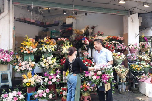 Lẵng hoa 5 triệu đồng ngày 8/3