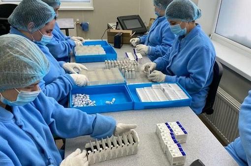 Nga đang tăng tốc sản xuất vaccine COVID-19