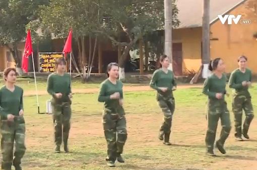 Những ngày đầu trong quân ngũ của các nữ tân binh