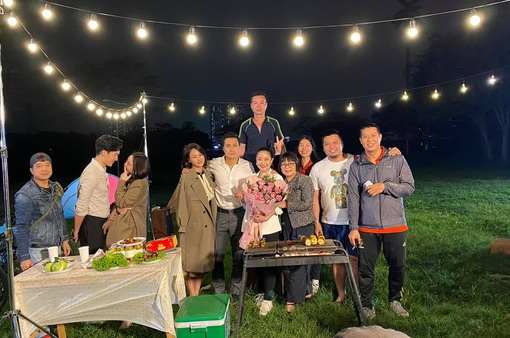 Hướng dương ngược nắng: Hạnh hết vai, hé lộ cảnh quay siêu lãng mạn có Minh - Hoàng, Trí - Ngọc