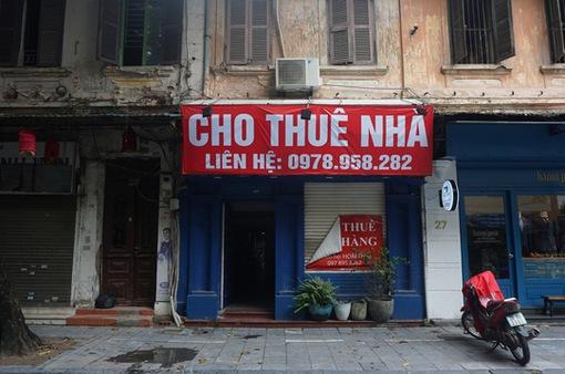 """Nhiều """"mặt tiền vàng"""" ở Hà Nội vẫn """"cửa đóng, then cài"""""""