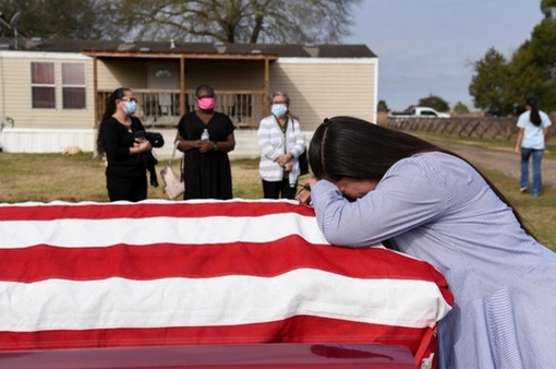 Mỹ hoàn trả chi phí tang lễ cho nạn nhân COVID-19