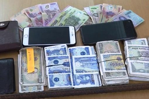 Bắt 2 đối tượng chuyên trộm cắp tiền công đức