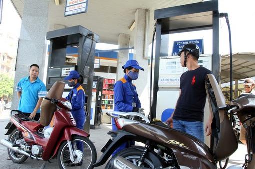 Giá xăng giảm lần đầu tiên sau 5 tháng tăng liên tiếp