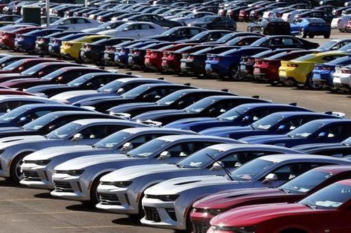 """Nổi bật tuần qua: Nhiều xe ô tô được ưu đãi khủng, hàng """"hot"""" vẫn tăng giá"""