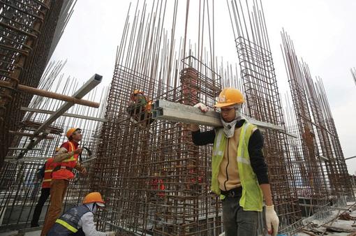 Giá thép tăng cao ngất ngưởng: Nghi vấn có hiện tượng đầu cơ