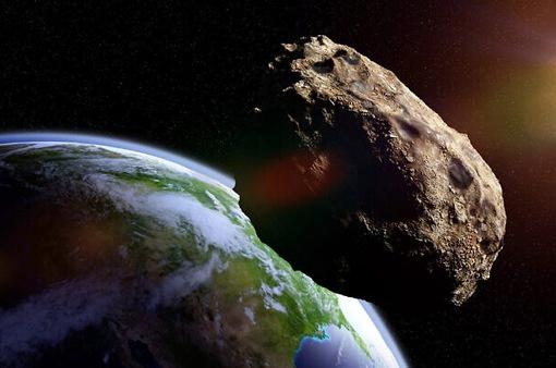 Ba thiên thể to hơn sân bóng lao về phía Trái đất
