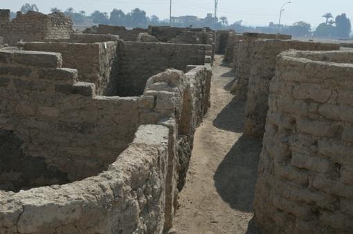 """Ai Cập phát hiện """"thành phố vàng"""" 3.000 năm tuổi"""