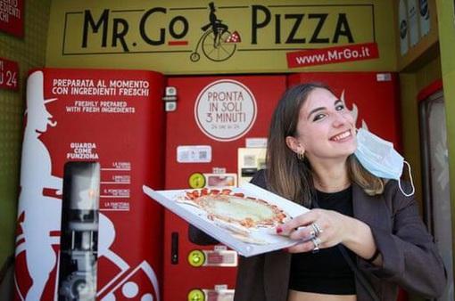 Máy bán pizza tự động tại Italy