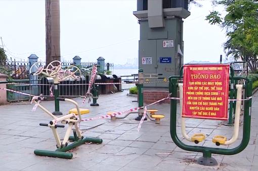 Lập rào chắn ven Hồ Tây để tránh tụ tập đông người