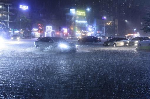 Chiều tối và đêm 13/5, các khu vực đều mưa dông, đề phòng thời tiết nguy hiểm