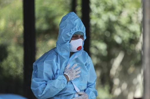 """Bệnh nấm đen chết người bùng phát trở lại ở Ấn Độ giữa """"sóng thần"""" COVID-19"""
