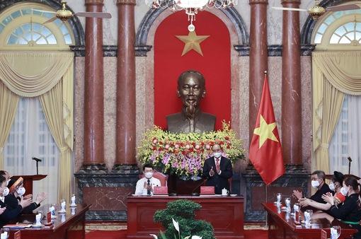 Chủ tịch nước gặp đồng bào các dân tộc tỉnh Bắc Giang