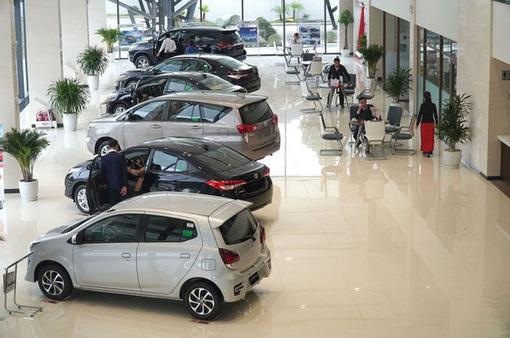 Thị trường ô tô sụt giảm do ảnh hưởng của COVID-19