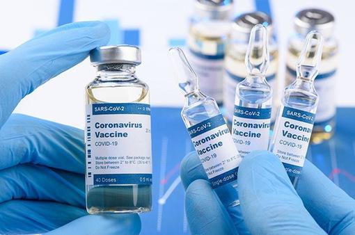 """Vaccine của Pfizer/BioNTech và Moderna có hiệu quả phòng bệnh """"đáng khích lệ"""""""