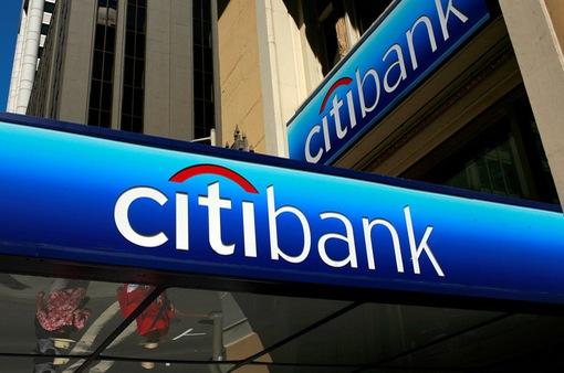 Chuyên gia nêu 2 lý do khiến ngân hàng ngoại thu hẹp hoạt động tại Việt Nam