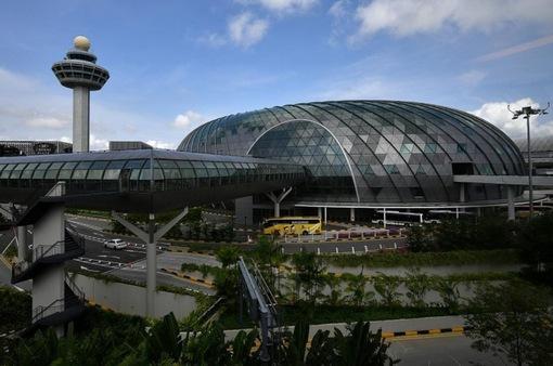 Sân bay Changi trở thành ổ dịch lớn nhất, Singapore siết chặt phòng dịch