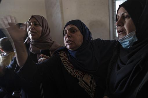 """Người dân chật vật tìm nơi trú ẩn trong """"cơn ác mộng"""" xung đột Dải Gaza"""