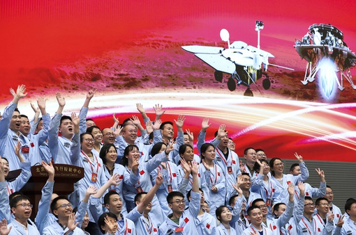 Tàu thăm dò Trung Quốc hạ cánh thành công xuống sao Hỏa