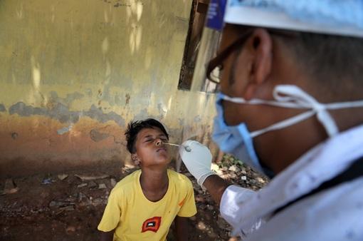 Hơn 163,6 triệu người mắc COVID-19 trên thế giới, nhiều nước Đông Nam Á có số ca nhiễm mới giảm