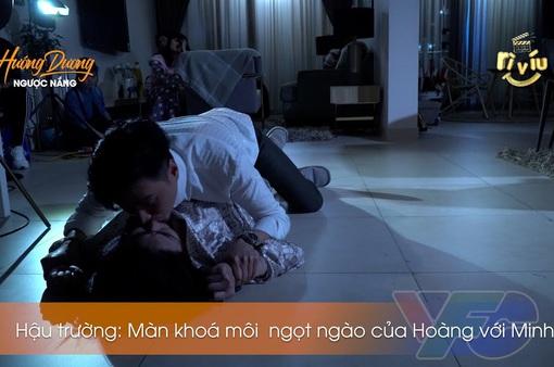 Hậu trường Hướng dương ngược nắng: Hoàng khoá chặt môi Minh, Việt Anh thì đau điếng vì bị Lương Thu Trang đá