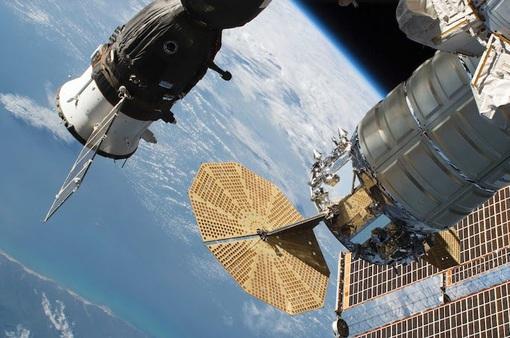 Bộ phim quay ngoài không gian đầu tiên trong lịch sử công bố diễn viên