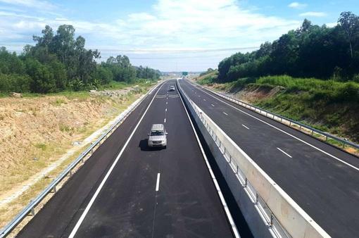 Xem xét, điều chỉnh Dự án đường nối cao tốc Nội Bài - Lào Cai đến Sa Pa