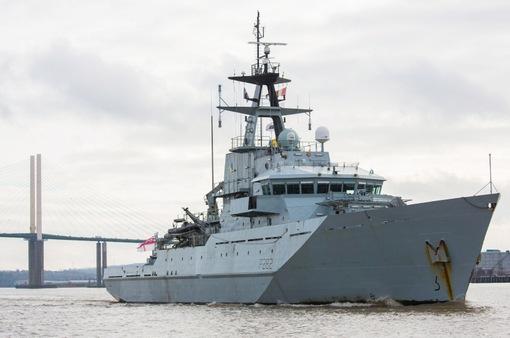 Anh, Pháp điều tàu hải quân tới eo biển Manche