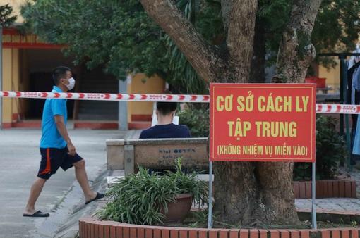 Nam sinh ở Hà Nội mắc COVID-19 phụ giúp ở quán bia, đi uống trà sữa