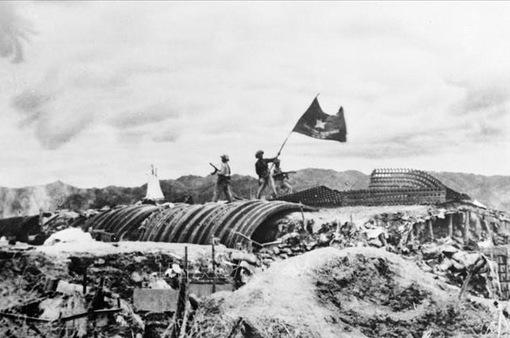"""Kỷ niệm 67 năm chiến thắng Điện Biên Phủ """"lừng lẫy năm châu, chấn động địa cầu"""""""