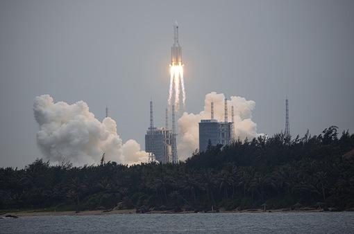 Mảnh vỡ tên lửa Trường Chinh 5B của Trung Quốc tan rã trên Ấn Độ Dương