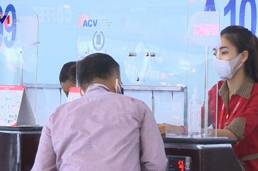 Dịch COVID-19 phức tạp giữa mùa cao điểm du lịch, hành khách được hỗ trợ hoãn tour, đổi vé