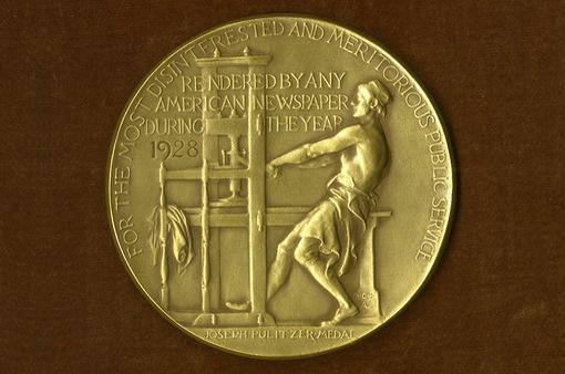 Giải Pulitzer của Mỹ vinh danh tuyến tin về đại dịch COVID-19 và vụ bạo lực sắc tộc George Floyd
