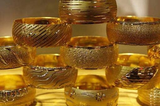 Giá vàng mong manh mốc 57 triệu đồng/lượng