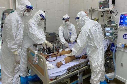 Việt Nam tiếp nhận điều trị khẩn cấp nhân viên Liên hợp quốc mắc COVID-19
