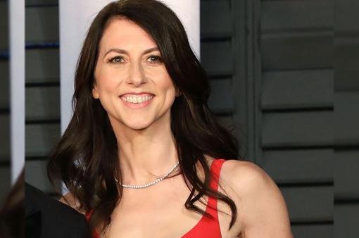 Vợ cũ của Jeff Bezos lại cho đi thêm 2,7 tỷ USD