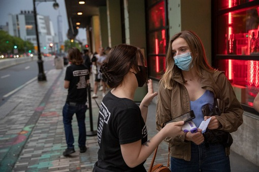 Triển khai hộ chiếu vaccine tại Mỹ gặp trở ngại